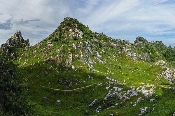 cắm trại tại núi Trầm