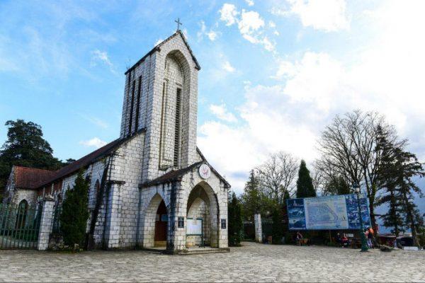 nhà thờ cổ sa pa
