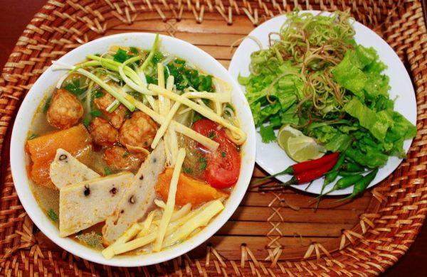 Kinh nghiệm du lịch Quy Nhơn ăn gì?