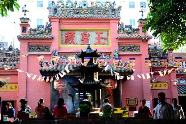 Chùa Ngọc Hoàng- ngôi chùa nổi tiếng ở sài gòn