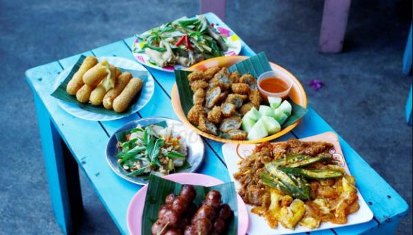 Quán Ăn vặt ở đà nẵng- quán cô Thủy